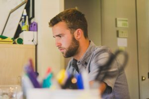 7 Reasons Why A 9 To 5 Won't Make You Happy